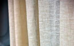 3 consigli su che tessuto per le tende scegliere