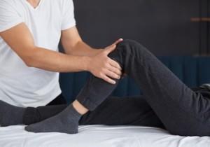 Protesi al ginocchio, percorso riabilitativo e tempi di recupero